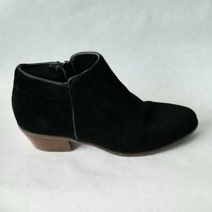 Crown Vintage black suede ankle booties 8.5 M